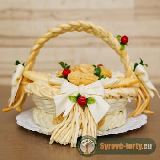 Syrový košík s ružami