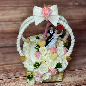EXKLUZÍVNA SYROVÁ TORTA NA DREVENOM PODNOSE: Svadobný košíček