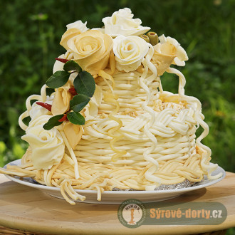 Syrová torta dvojposchodová s ružami